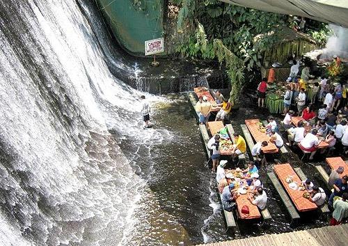 Cascada-villa-escudero-filipinas