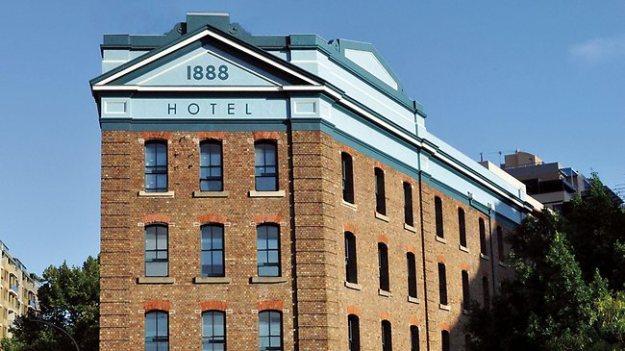 249990-130205-1888-hotel