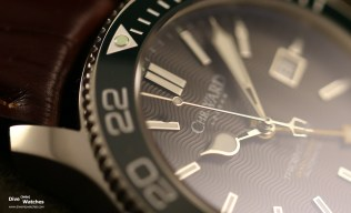 Christopher_Ward_London_C60_Tridente_GMT_42_Green_Bezel_Pip