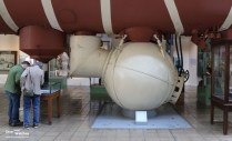 Bathyscaphe_Trieste_Pressure_Chamber_Navy_Museum_Washington_2016