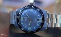 Oris Sixty-Five Diver mit grau-blauem Zifferblatt, Edelstahl-Band, 40 mm Edelstahl-Gehäuse, Datumsfenster bei 6 Uhr (Ref. 01 733 7707 4065-07 8 20 18)