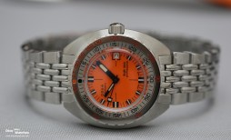 Doxa_Sub_300_Professional_Anniv_Edition_Front_Baselworld_2017
