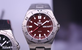 Tutima_Seven_Seas_Red_Dial_Front_Baselworld_2017