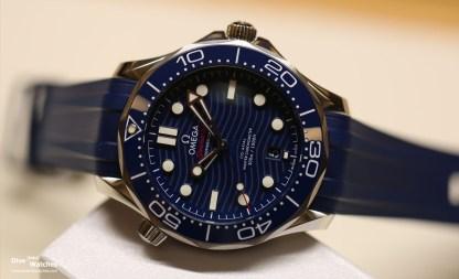 Omega_Seamaster_300_Diver_Blue_Dial_Rubber_Baselworld_2018