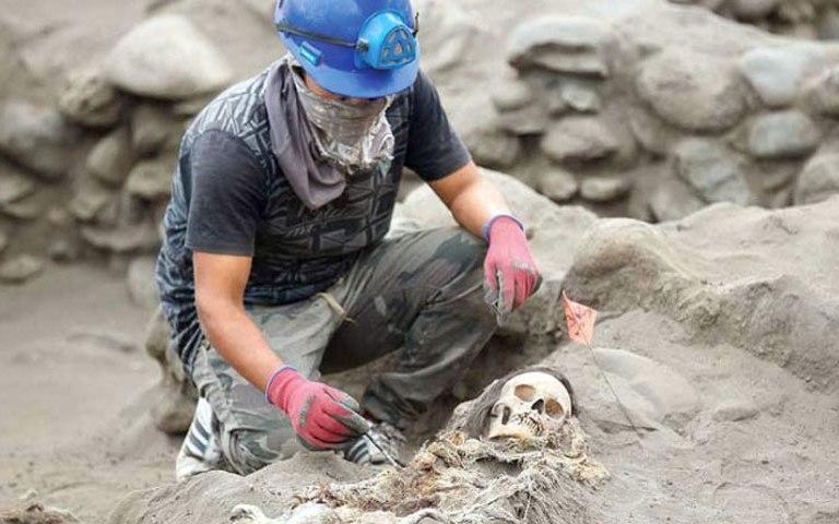 Arqueólogos descubren sitio de sacrificio de niños en Perú