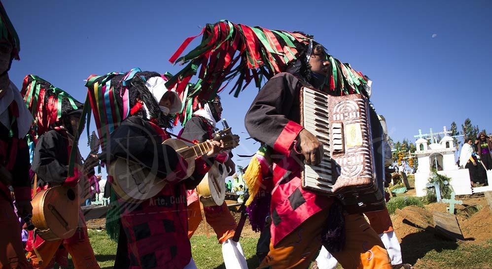 Fiestas tradicionales, reflejo de la vida íntima del pueblo tsotsil