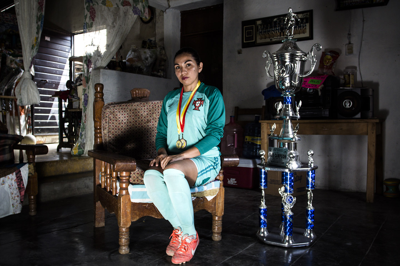 Las Diosas de las Canchas: registro fotográfico del futbol femenil