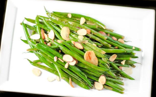 Lemon Garlic Green Beans by Diverse Dinners