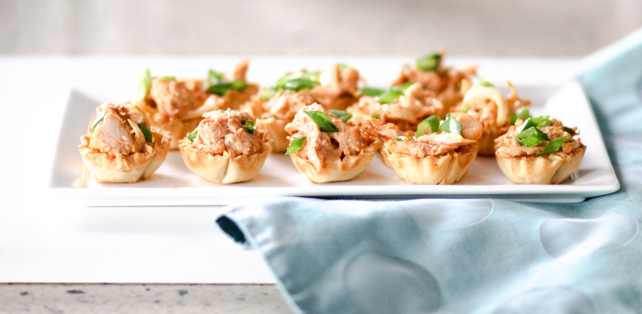 Spicy chicken canap s diverse dinners for Canape shells