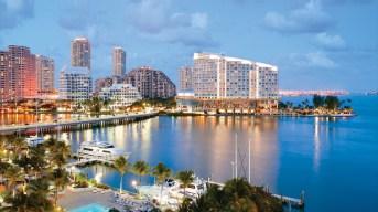 Com uma temperatura média de 19.6 °C em janeiro, o inverno em Miami possui temperaturas agradáveis e, raramente, a temperatura fica abaixo de 10 °C. As temperaturas máximas do verão ficam entre 22–27 °C.  Mais se liga ai.  A estação chuvosa começa em junho e termina no meio de outubro. Durante esse período, as temperaturas são de 29–35 °C, com alta humidade.