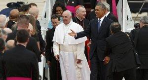 O Papa chegou no fim da tarde de terça-feira (22) aos Estados Unidos e foi recebido pelo presidente Barack Obama depois da viagem de quatro dias a Cuba.