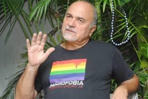 Mott pede liberação do kit Anti-Homofobia