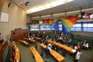 Nova frente parlamentar terá objetivo de promover a proteção e promoção da cidadania LGBTQIA+ no Distrito Federal.