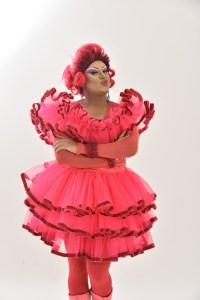 Espetáculo reúne artistas do humor alagoano e comemora os 19 anos de carreira da Drag Queen Paty Maionese