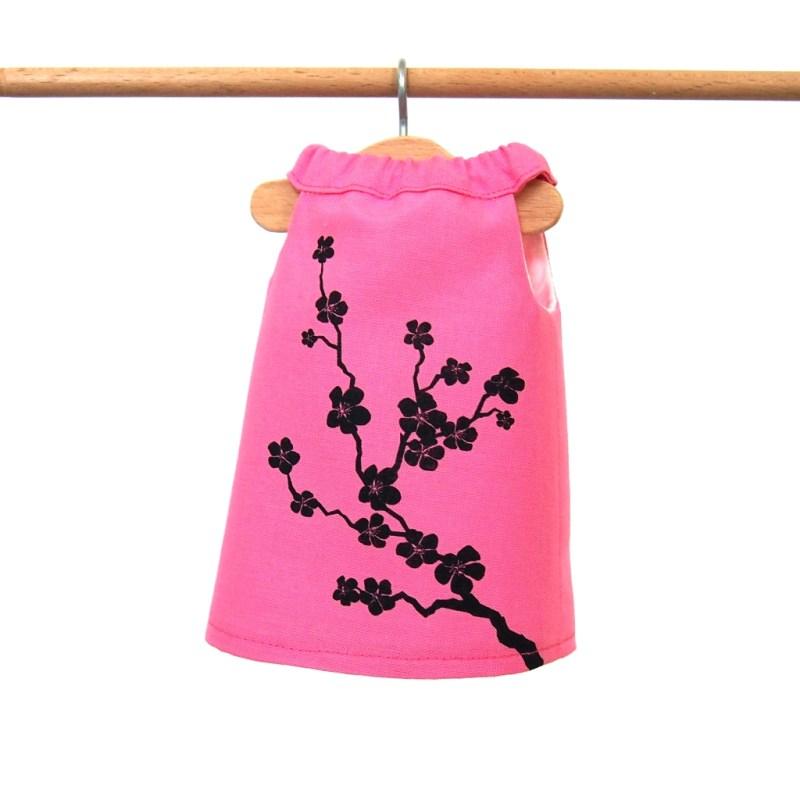Ružové šaty s kvetinkami
