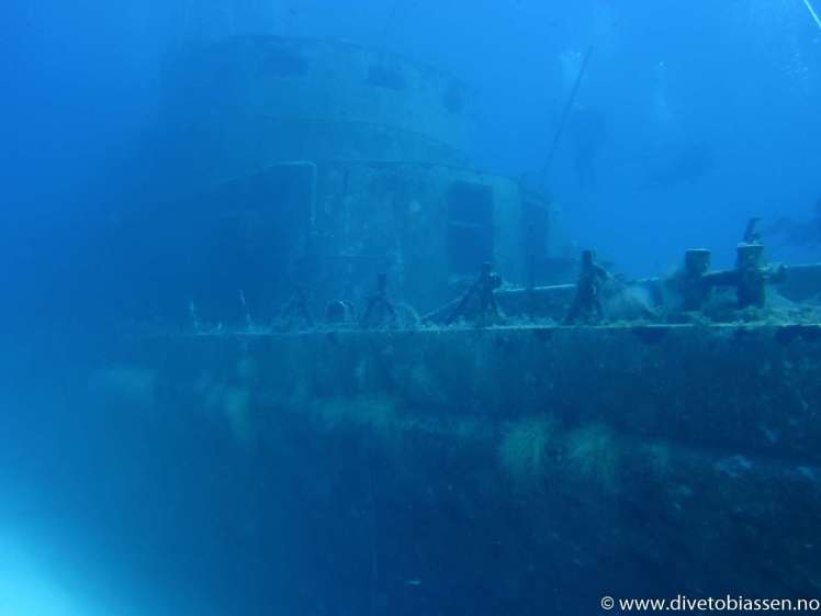 Vraktåke, overbyggning fra styrbord side, dykkere, Dykkerferie med PADI, Dykking i Egypt, (M/S Zenobia), Dykking på Malta