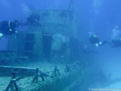Dykkere, babord side og akterover