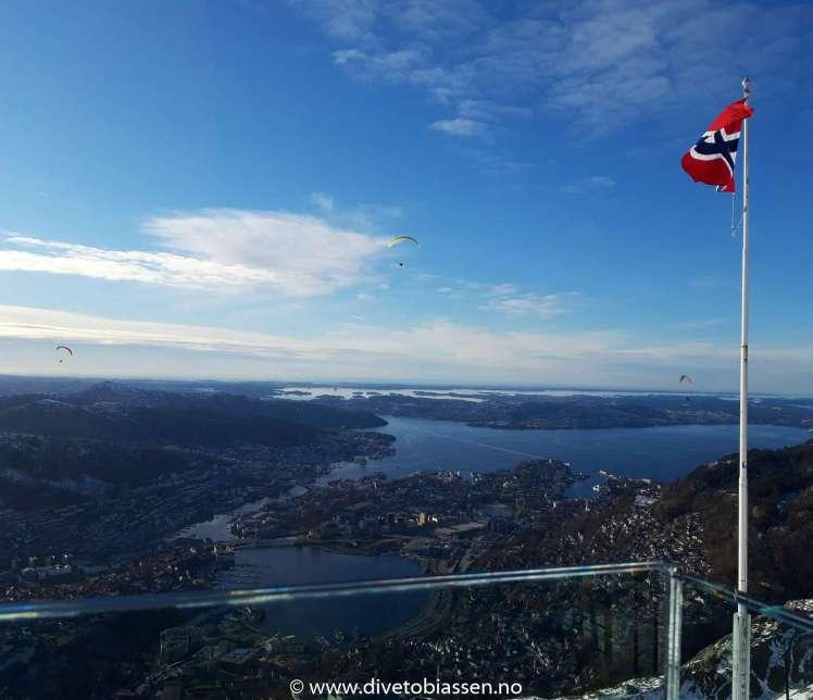 Gratulerer med dagen Norge!