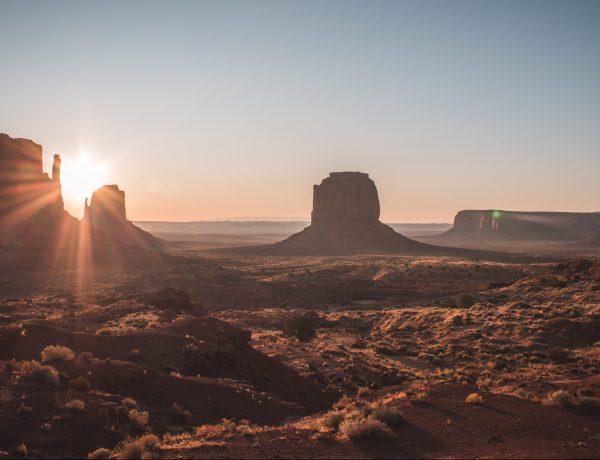 Amanecer en Monument Valley. Costa Oeste EEUU Organizar viaje