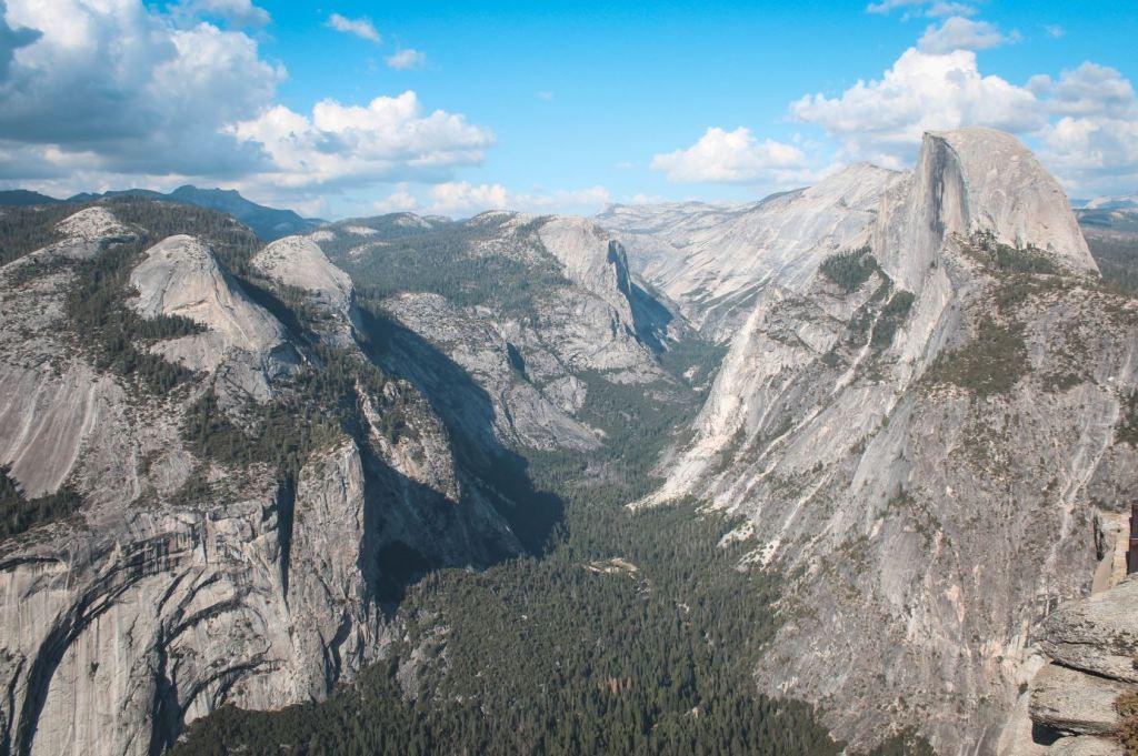 Vistas de la zona donde había un glaciar, desde Glacier Point en Yosemite