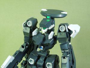 電子戦用可変支援機ブロード 頭部周辺