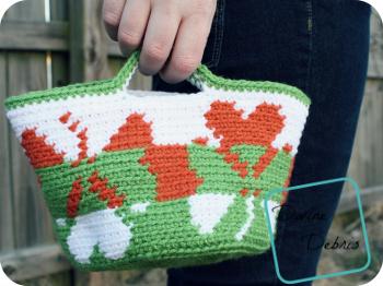 Shamrock Basket free crochet pattern by DivineDebris.com
