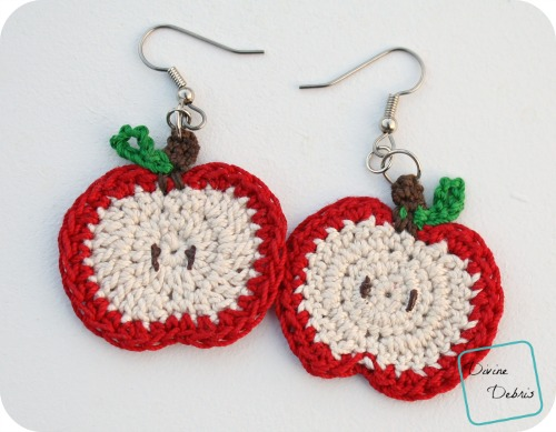Apple Earrings free crochet pattern by DivineDebris.com