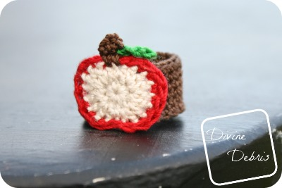 Apple Ring free crochet pattern by DivineDebris.com