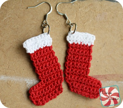 Crochet Stocking Earrings free pattern by DivineDebris.com
