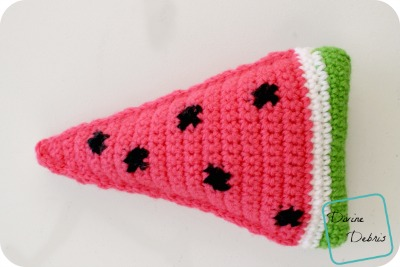 Wedge of Watermelon crochet pattern by DivineDebris.com
