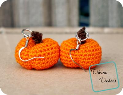 Stuffed Pumpkins Earrings free crochet pattern by DivineDebris.com