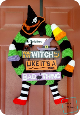 Too Cute Halloween Wreath crochet pattern by DivineDebris.com