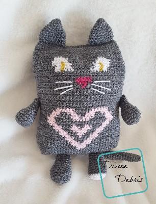 Sweetheart Cat Ami crochet pattern by Divine Debris
