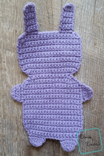 Carrot Belly Bunny Ami crochet pattern by DivineDebris.com