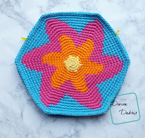 Starburst Purse free crochet pattern by DivineDebris.com