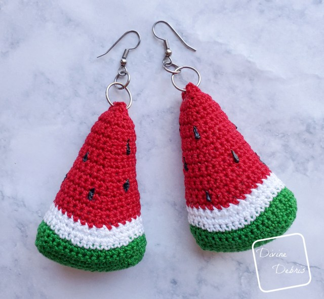 Learn to make crochet watermelon earrings on DivineDebris.com