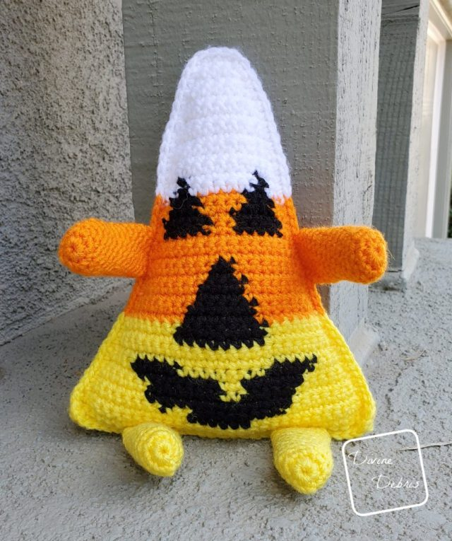 Candy Corn-o-Lantern free amigurumi pattern by DivineDebris.com