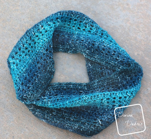 The Sherbet Cowl free crochet pattern by DivineDebris.com