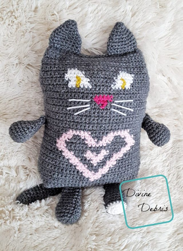 Sweetheart Cat Ami free crochet pattern by Divine Debris