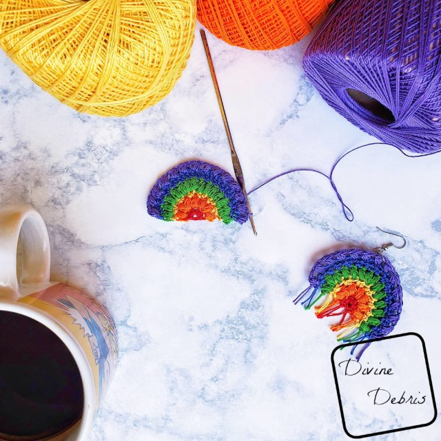 Learn to make the Puff Rainbow Earrings, an easy and fun crochet thread accessory, from a free crochet pattern on DivineDebris.com