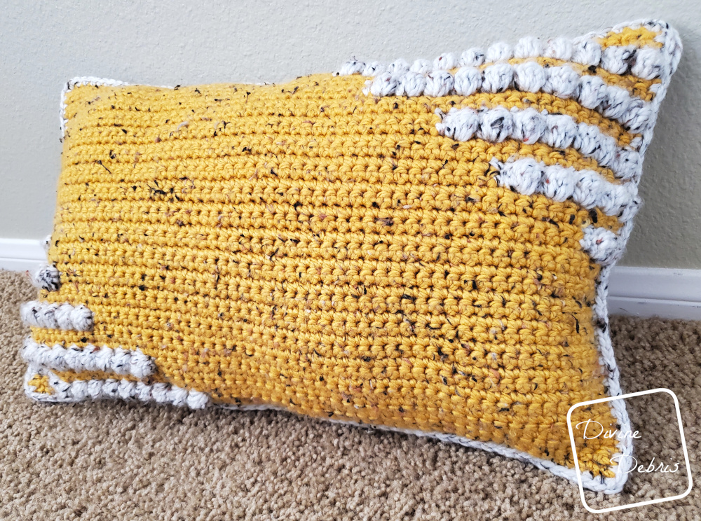 Be Geometric With the Charismatic Pillow Free Crochet Pattern