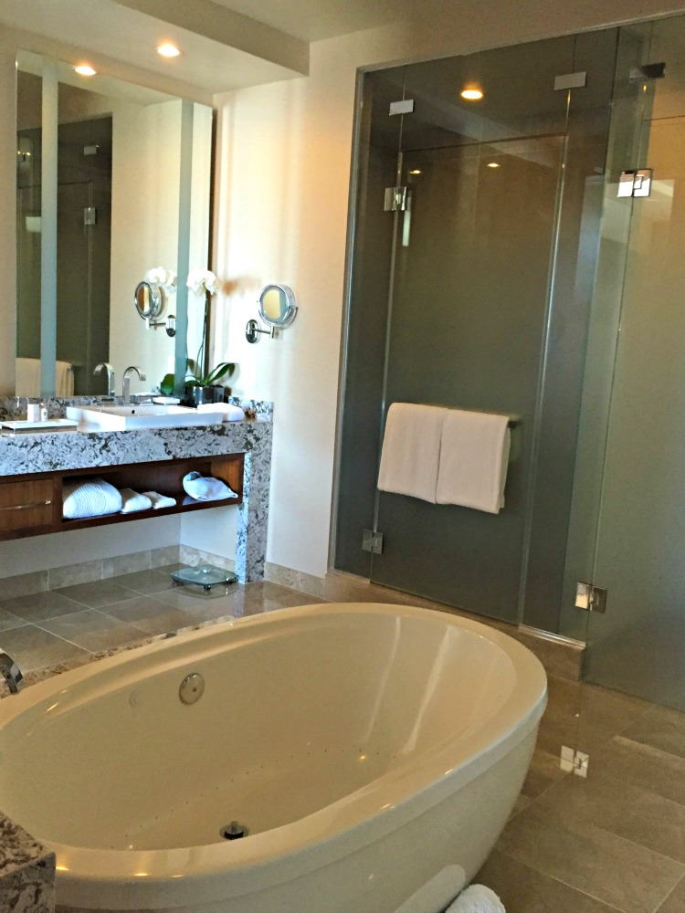 ARIA Hotel & Sky Suites in Las Vegas - ARIA Sky Suites Bathroom