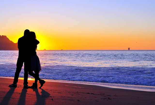 Soulmate/Twin Flames: Recognizing Signs with Coming to a
