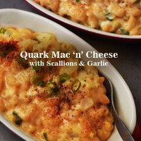 Quark Mac 'n' Cheese with Scallions & Roasted Garlic