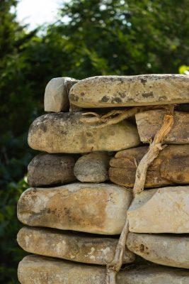 DBR-22_Stone-Pillar-CloseUp_1037x1555