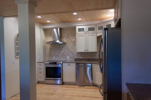 DBR-65_Main-Kitchen_1555x1037