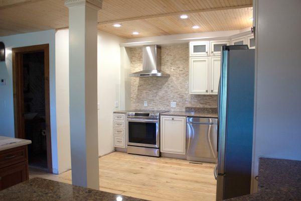 DBR-69_Main-Kitchen_1555x1037