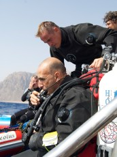 Ahmed Gabr and members of the dive team at the start of the record event. Photo courtesy Ahmed Gabr