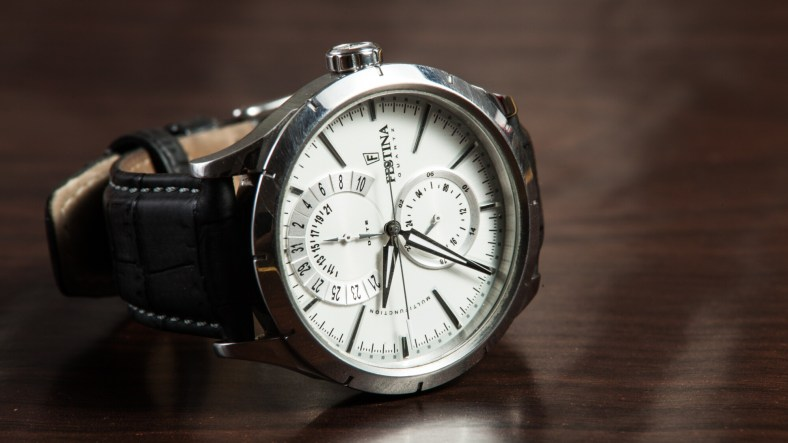 6 innovative Ways to Personalize a Special Timepiece as a Gift 1