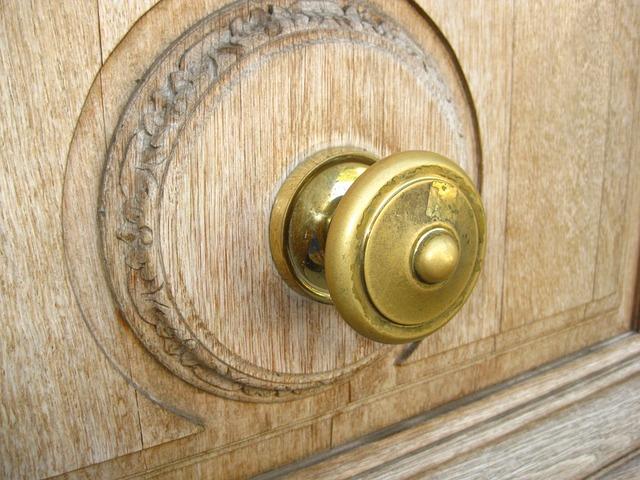 frente de madera tallado
